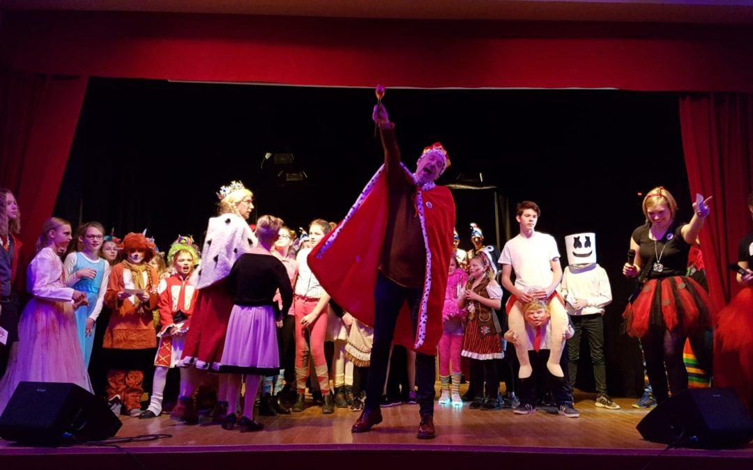 Buntes Karnevalsprogramm an der Gesamtschule Mittelkreis