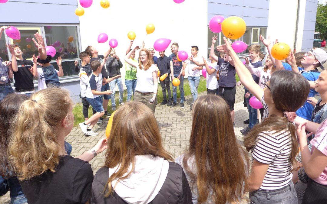 Welkom op onze school – Briefprojekt und Austausch mit dem Elzendaalcollege Boxmeer in Jahrgangstufe 8